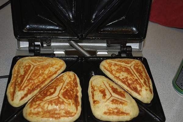pancakes sandwich maker