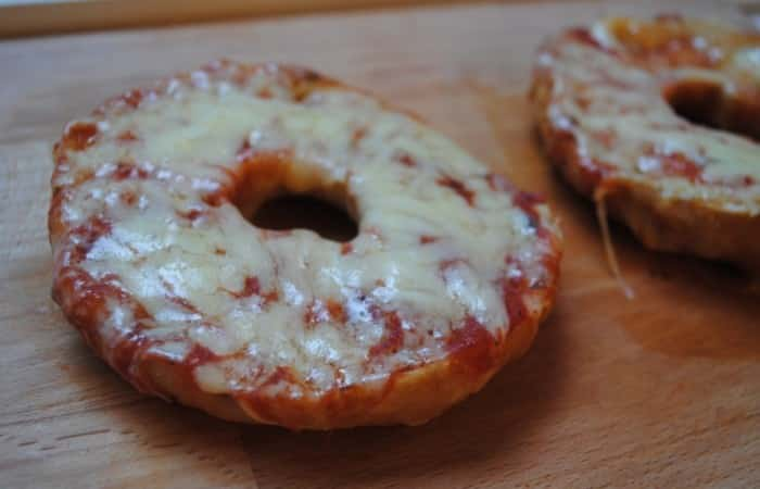 pizza-bagels-recipe-3-700x450