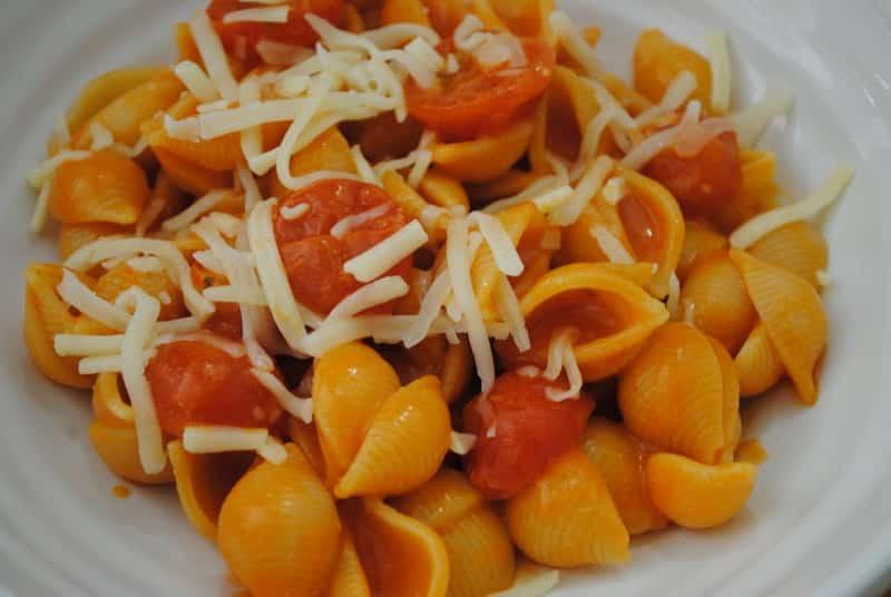 Easy-Cheese-Tomato-Pasta-Recipe-1